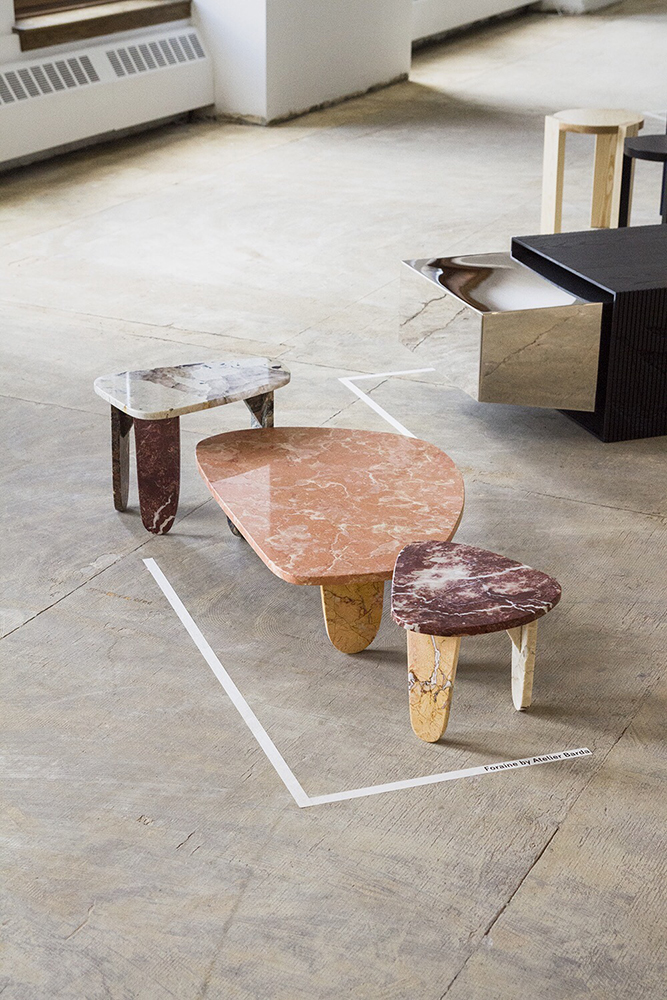Ensemble de petites tables en marbre — Studio Éditions